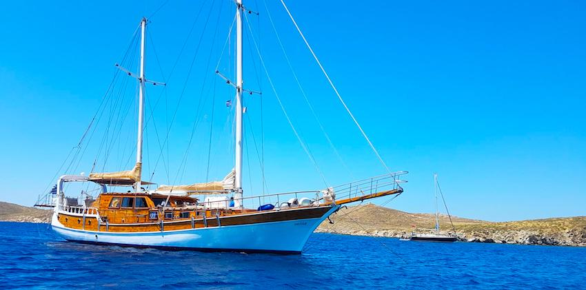 cruise-greece-sailboat